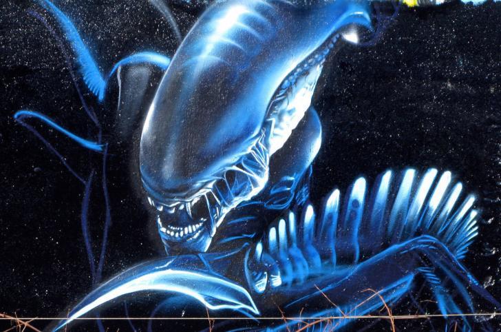 Alien Theme - By Budi Chrome Theme - ThemeBeta